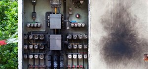 2 Unsafe and Outdated Electrical Panels You Must Replace