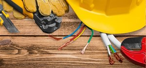 What is the Difference Between a Certified Electrician and a Handyman?