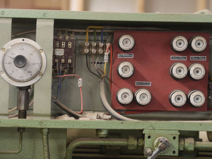Do You Need to Replace These 3 Outdated Electrical Components?