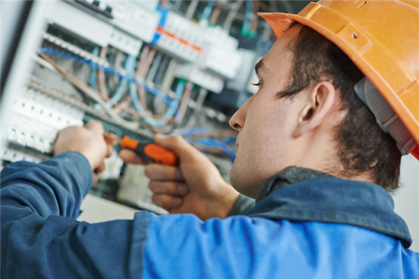When Should You Call an Electrician for Home Repairs?